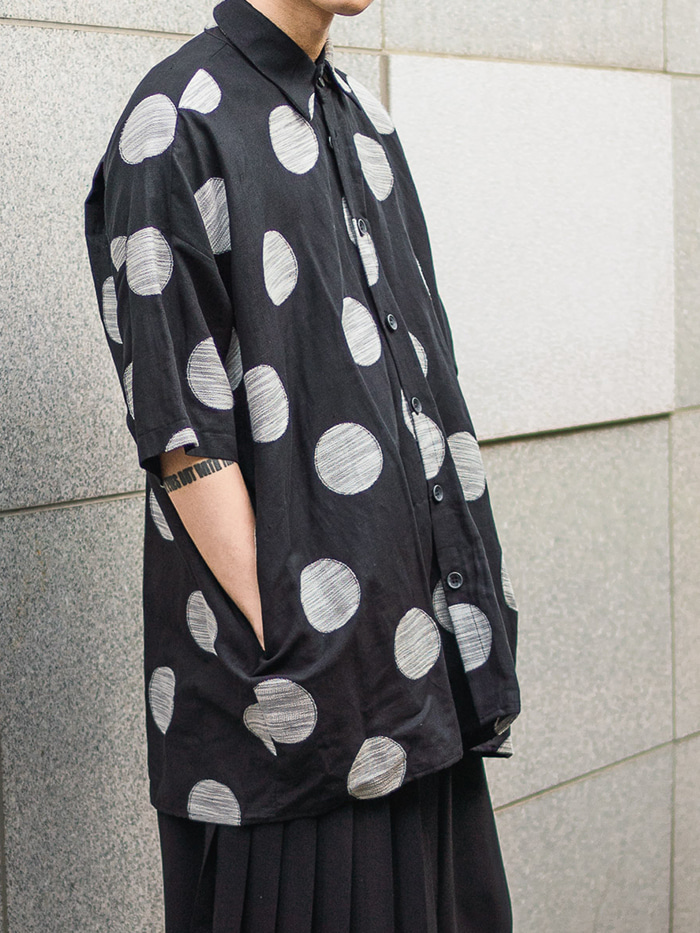 [UNISEX] Flower big dot pattern Shirt