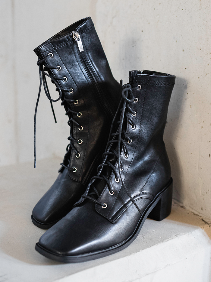 Square heel lace-up Boots