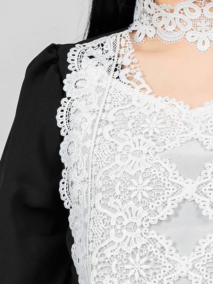 Neck lace Blouse